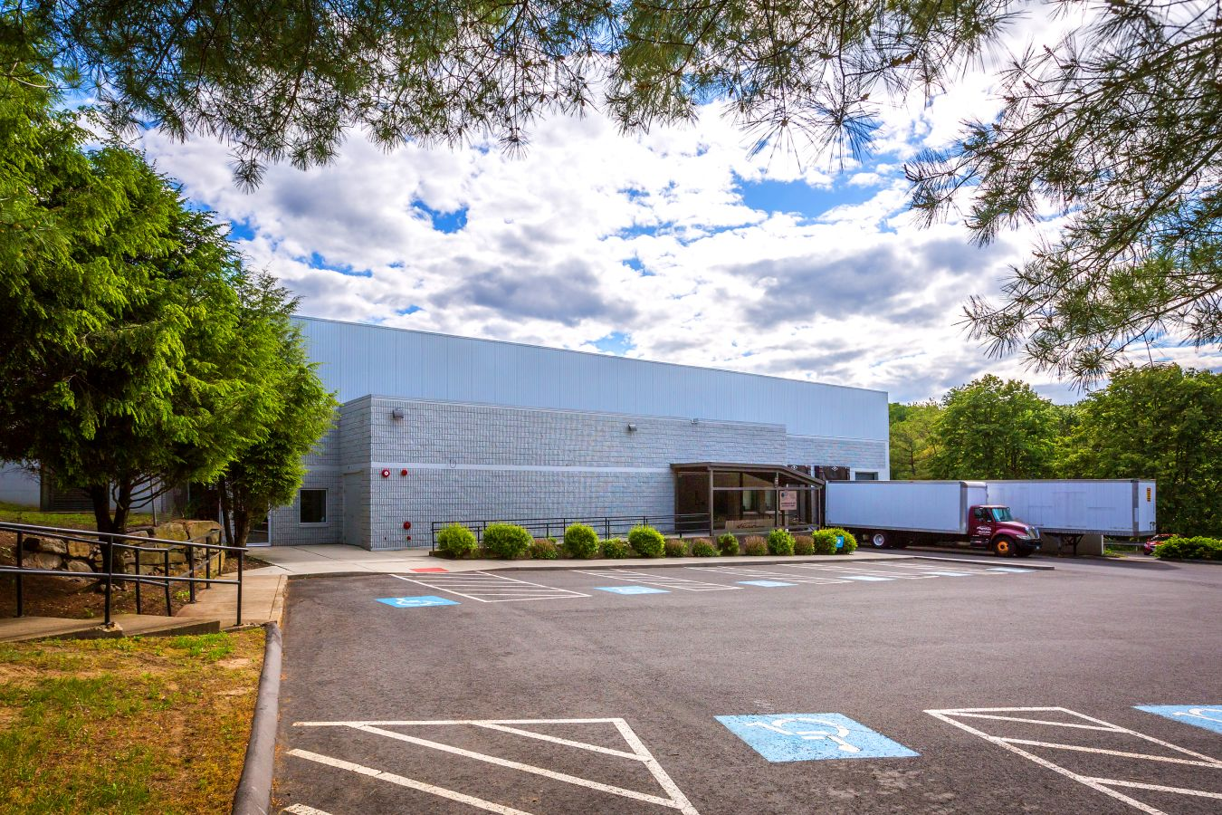 CT - 466 Bridgeport Ave